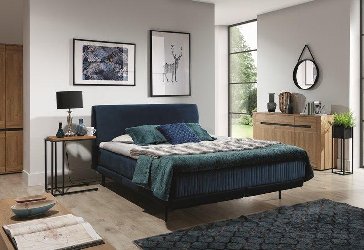Industrialne łóże Asterix na metalowych nogach