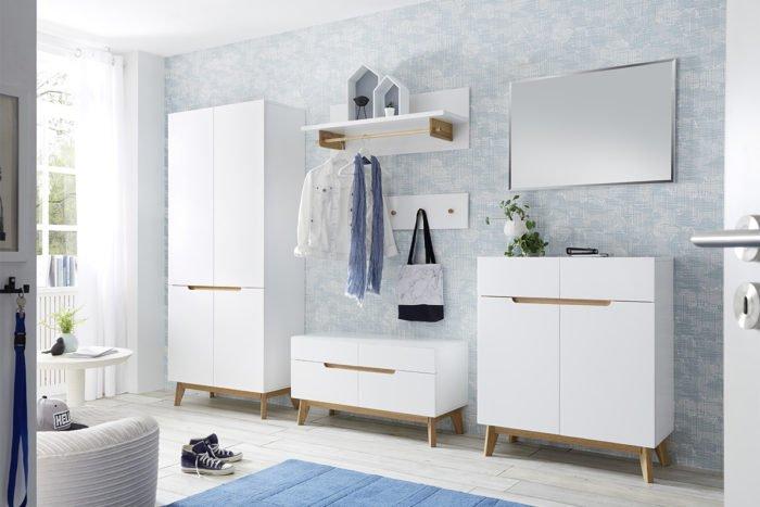 Skandynawski biały zestaw mebli do przedpokoju z drewnianymi elementami