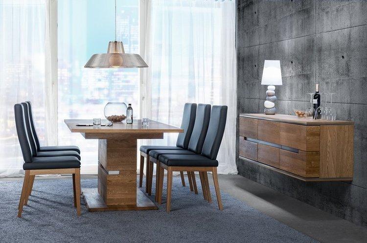 Drewniany stół Torino na oryginalnej podstawie